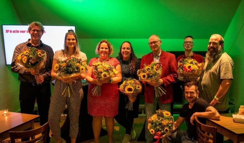 <p>Bregje van Lieshout (3e van links) wil samen met de rest van haar partij zich inzetten voor de mensen die minder vaak gehoord worden.</p>