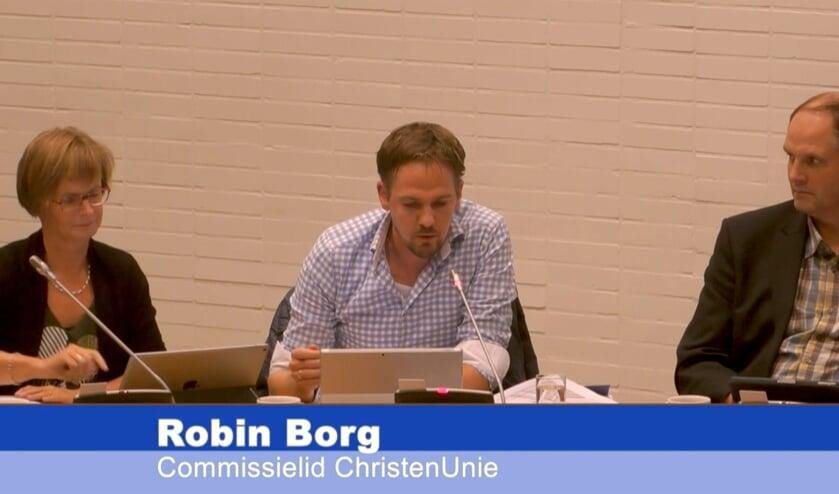 Els Oliwkiewicz en Robin Borg tijdens de commissievergadering