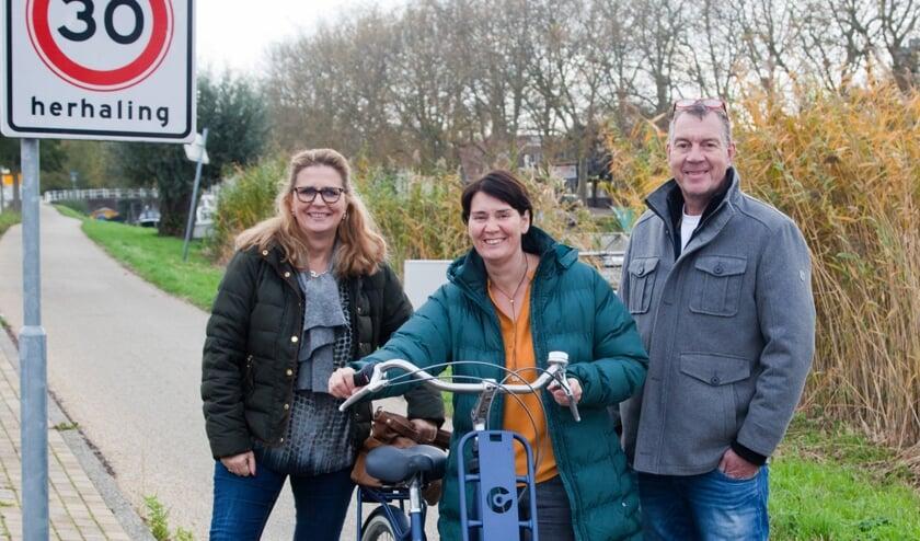 Initatiefnemers Heidi Looy, Gea Verdouw en Marco de Haas op het omstreden pad