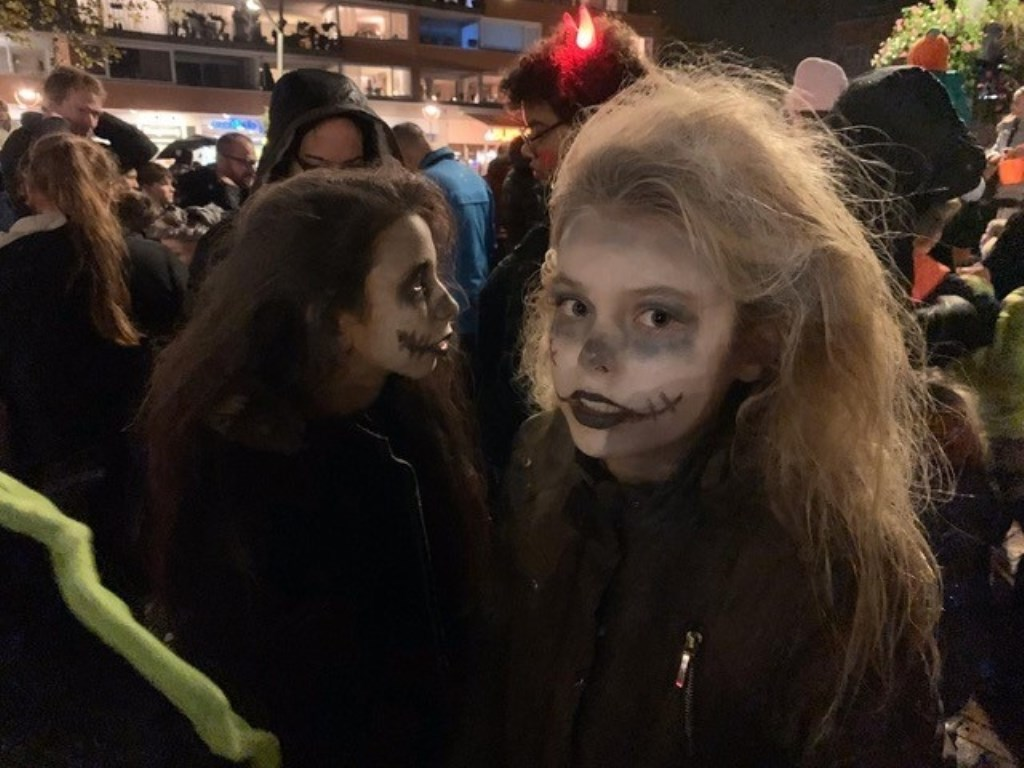 Griezelen bij de Halloween optocht Foto: Pancras Kuipers © Graficelly B.V.
