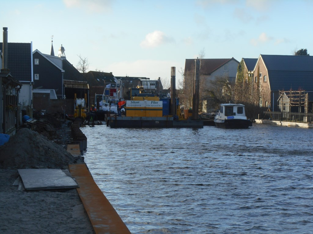 Werkzaamheden aan de Hoge Rijndijk in Nieuwerbrug, 2019  © Graficelly B.V.