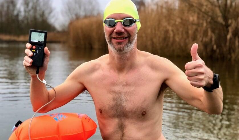 Het kwik kan niet snel genoeg zakken tot onder 5C. Arthur van Dijk telt af tot de Green Heart Ice Swim in de Reeuwijkse Surfplas op 1 en 2 februari. Beeld: Martin Post