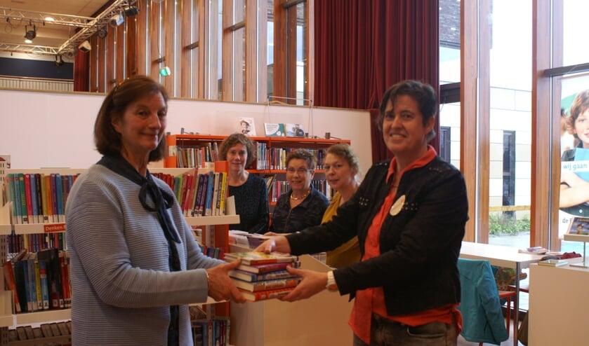 16 nieuwe kinderboeken voor jeugdbibliotheek in Reeuwijk.
