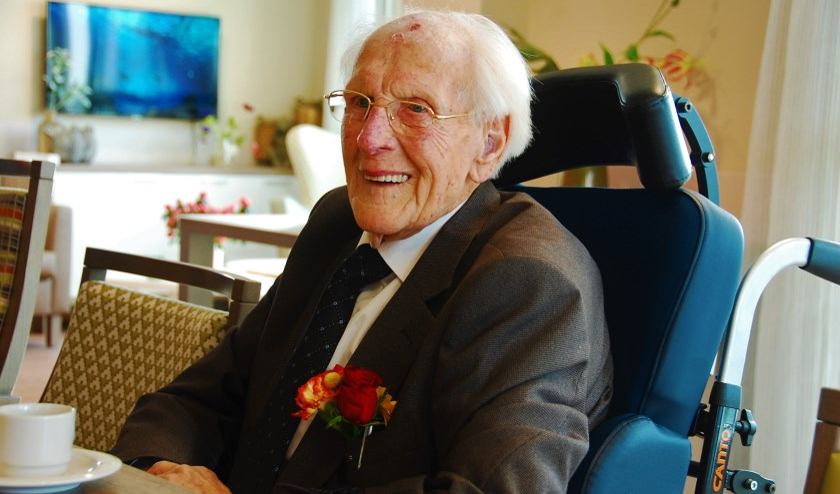 De heer A. Vermeulen op zijn honderdste verjaardag.
