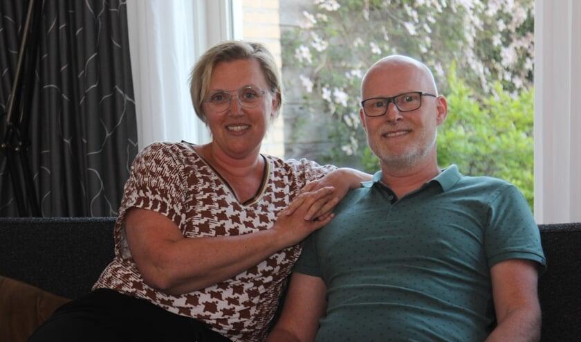 Gebarentolk Miranda Spijkhoven en haar echtgenoot Edwin Kooijman.