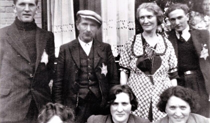 <p>Het gezin Gans uit Bodegraven woonde al heel lang aan de Bodegraafse Emmakade.</p>