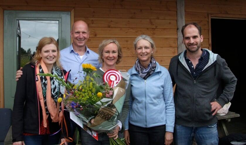 <p>Het huidige bestuur van Platform-Z (vlnr): Jennifer Verbaan-Thoen, Leander Hamel, Ciska Tijssen-van Dam, Olaf van Dijk met in hun midden Matthja Sterk.</p>