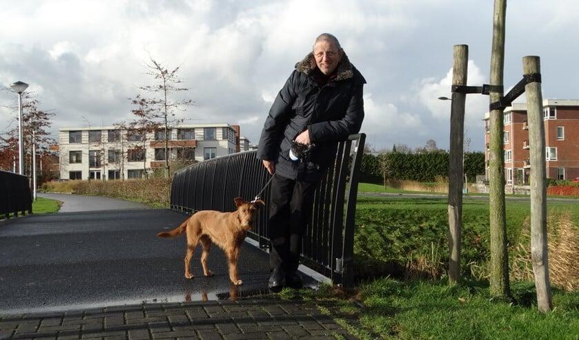 Hans met zijn hond. (Foto: Andrea van der Houwen)