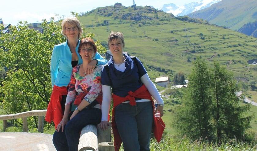 De zussen zijn vastbesloten drie keer naar boven te wandelen. (Foto: privéarchief)