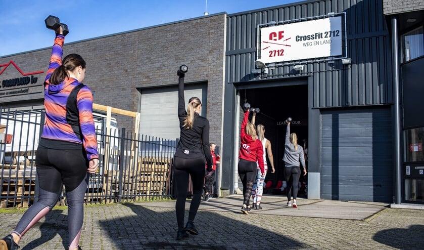 CrossFit is een manier van fitness waarbij gewichtheffen, atletiek en gymnastiek gecombineerd worden in één trainingsvorm.