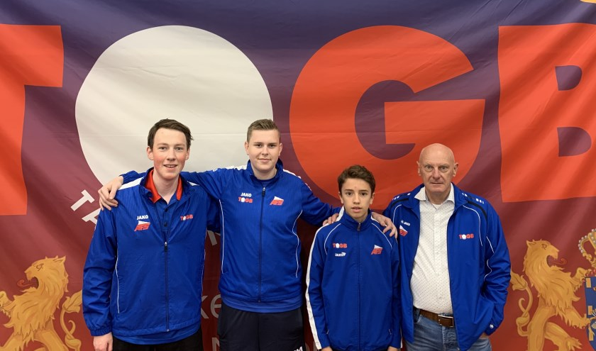 (v.l.n.r.): Luc Grünbauer, Tom Luyken, David Leeson en Rob Rutjes (coach).