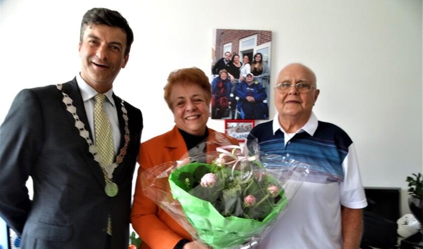 Samen met de burgemeester op de foto, dat maakte de zestigjarige trouwdag extra bijzonder.