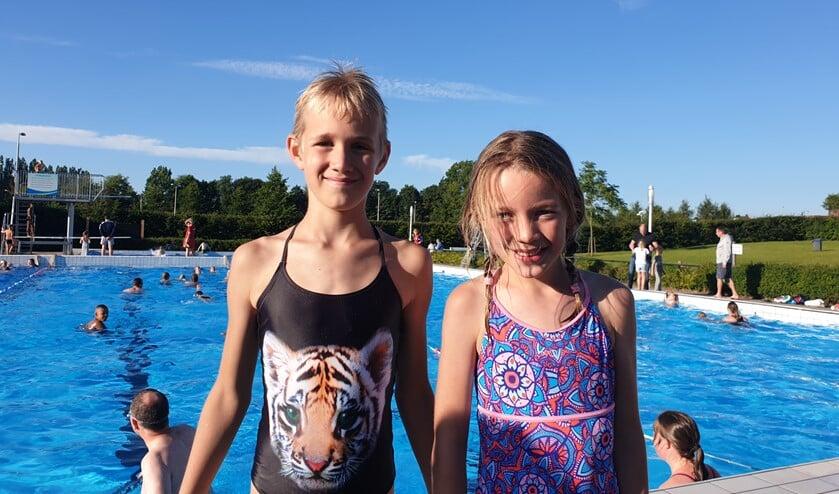 Moreno en Lisanne uit Delft waren speciaal naar Lansingerland gekomen om de vierdaagse te zwemmen.