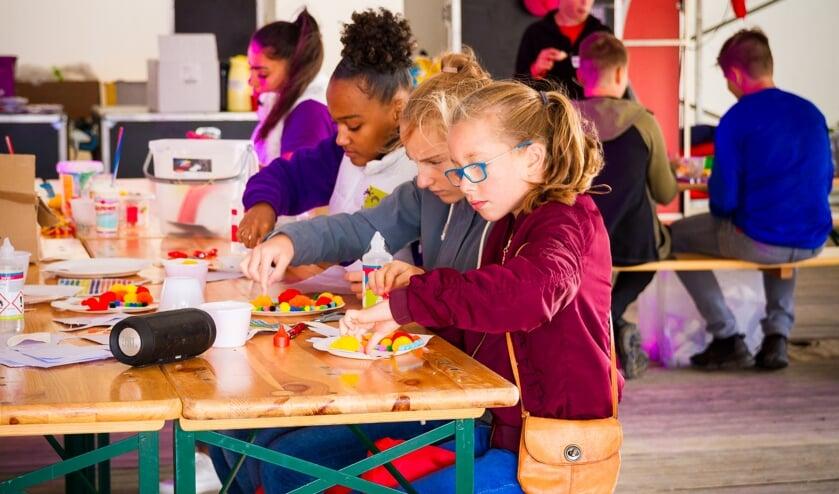 Kinderen kunnen tijdens Opperdepop allerlei activiteiten ondernemen in het Kidspaviljoen. (Foto: Evert Buitendijk Fotografie)