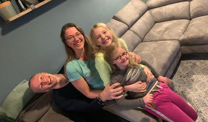 <p>Het gezin van Vera en Arnold Vellinga die met hun kinderen Elise en Fabi&euml;nne in Bleiswijk Centrum wonen.</p>