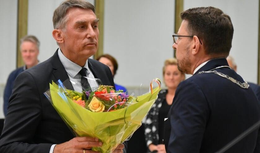 Albert Abee en de burgemeester van Westland, Bouke Arends. (Foto: Wilma Broch)
