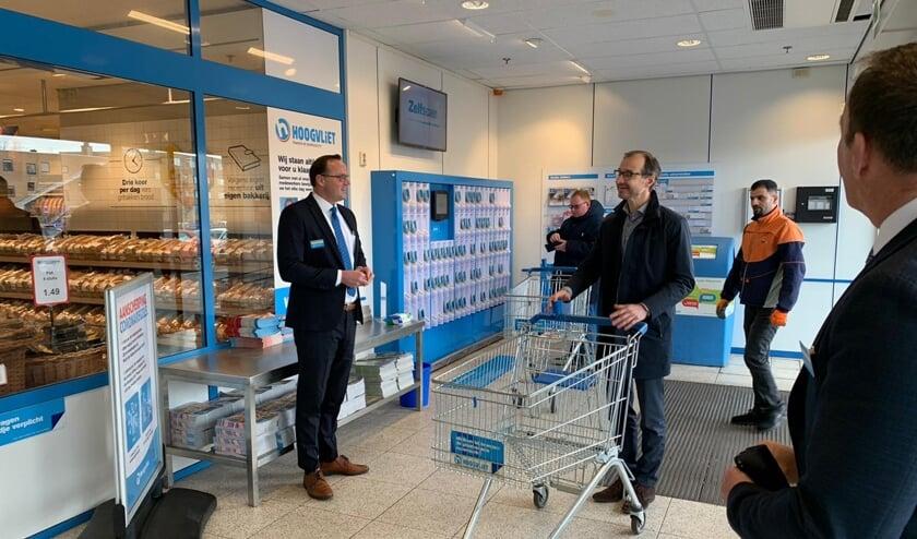 Minister Wiebes in de Hoogvliet in Berkel en Rodenrijs.