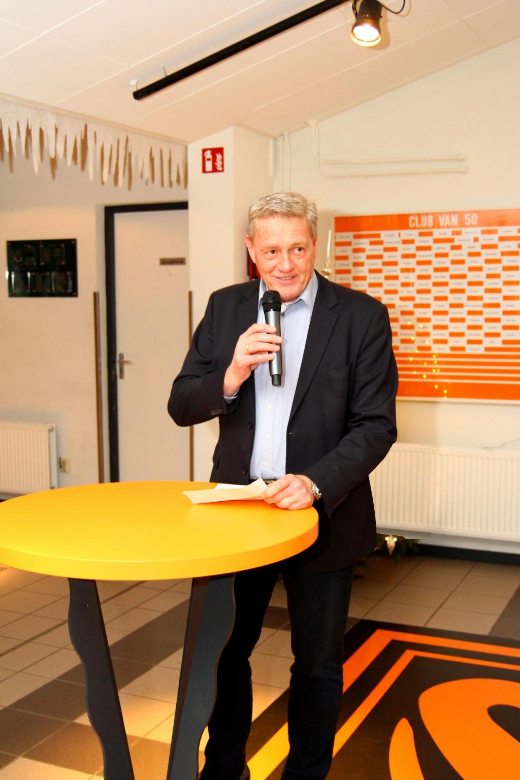 Voorzitter Jaap van Dijk: 'Ik hoop iedereen straks weer gezond op de club te zien om dan samen de draad weer op te pakken'. Ton Koorevaar © hartvanlansingerland