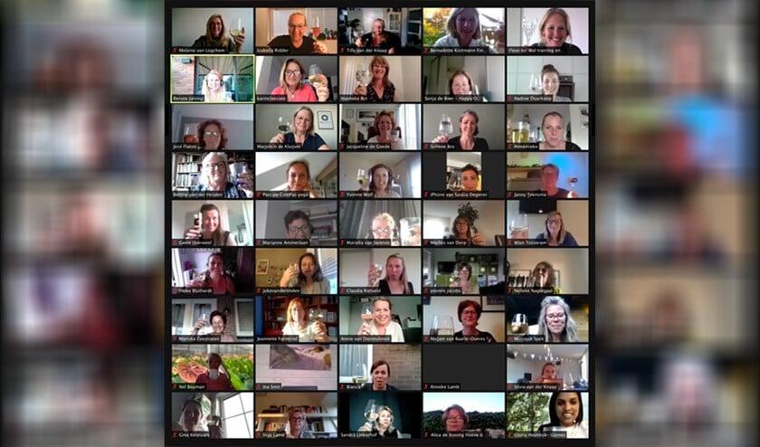 <p>Op dinsdag 1 juni zaten 45 dames achter hun scherm klaar. </p>