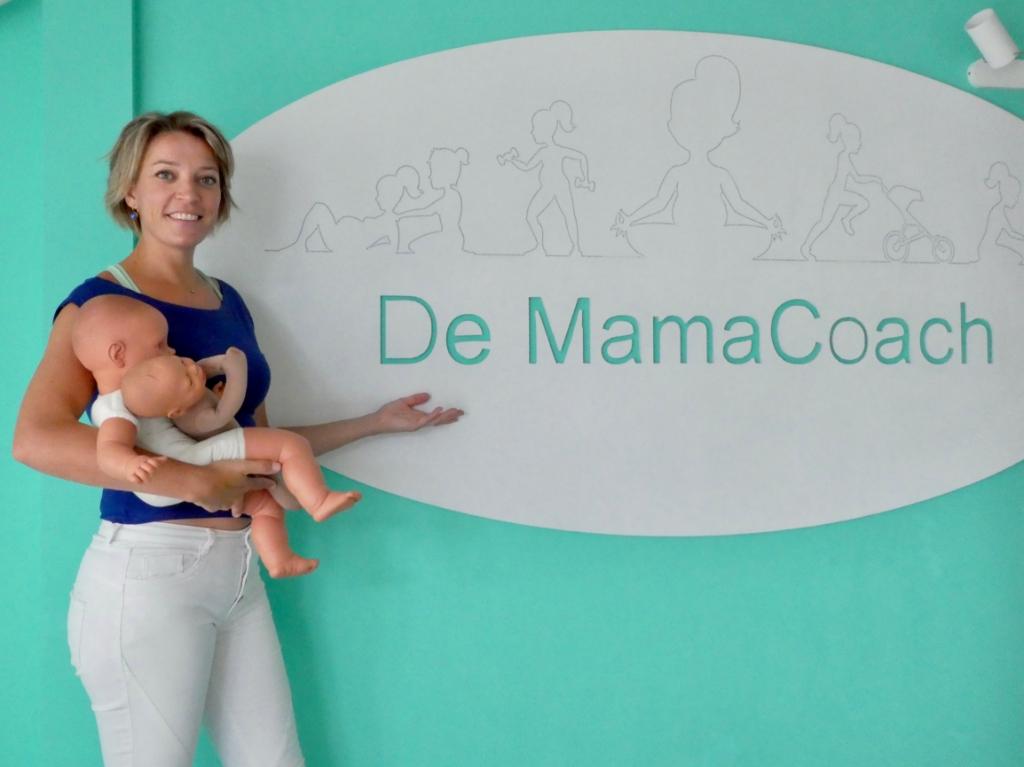 De poppen Basje en Theo figureren bij de zwangerschapscursus en de baby massage.   © hartvanlansingerland