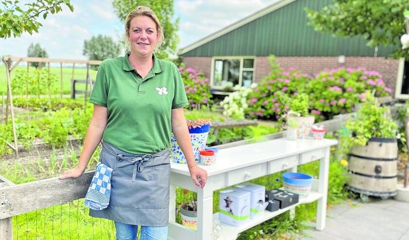 Patricia Vlooswijk van Doruvael Buitenzorg is erg blij met de nieuwe theetuin.