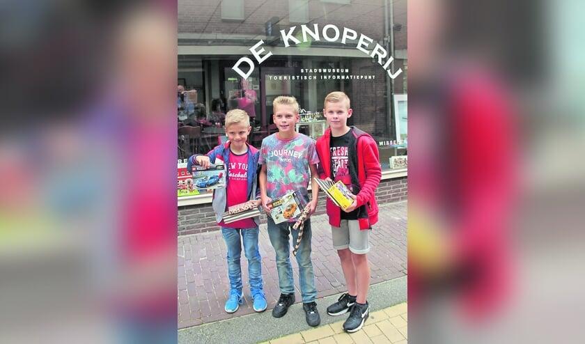 <p>Van links vaar rechts de winnaars: Lennart Hassink, Julian van der Wind en Robin Visser.</p>