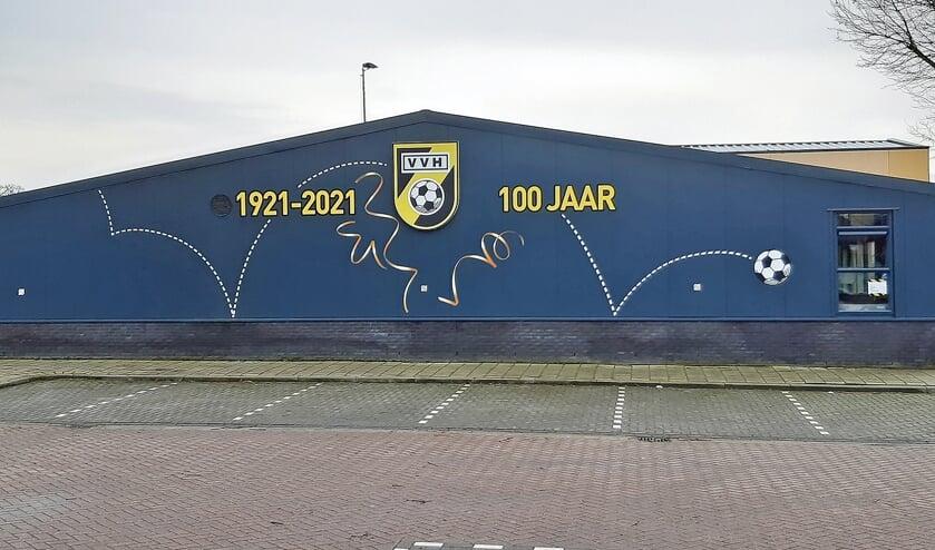 """<p pstyle=""""BODY"""">VV Haastrecht bestaat 100 jaar. Helaas moeten de festiviteiten worden verplaatst naar 2022.</p>"""