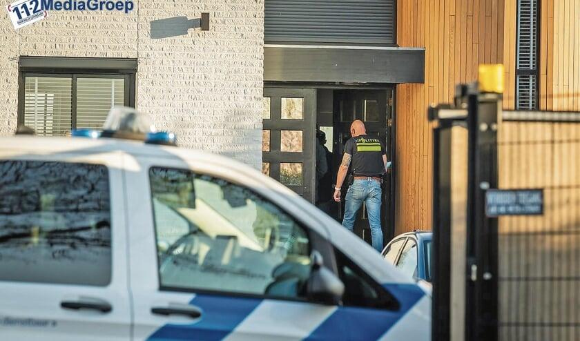 Vorige week dinsdag zijn er in het totaal vier politie-invallen gedaan in Montfoort, Ameide, Lopikerkapel en Haastrecht (foto Koen Laureij - 112provincieutrecht-nl.v1).