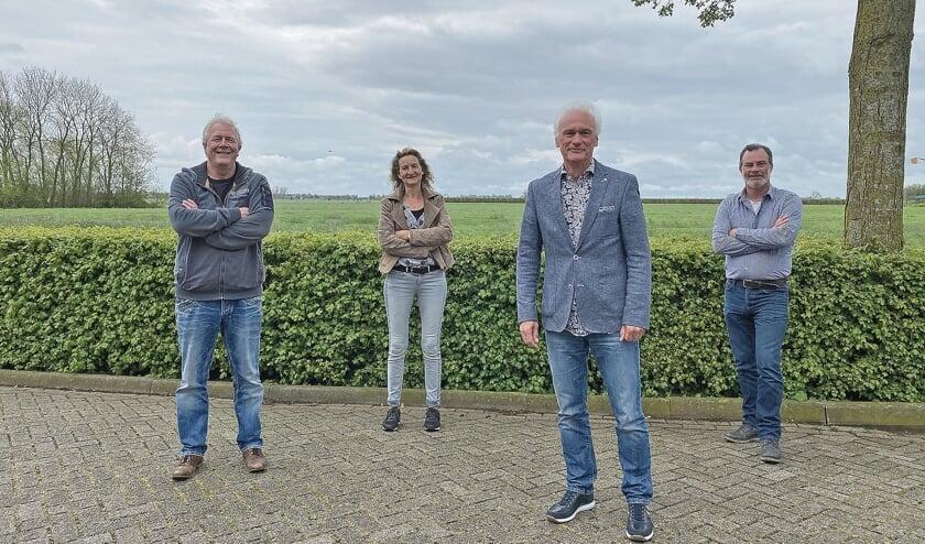 """<p pstyle=""""BODY"""">Het actiecomit&eacute; bestaande uit Hans Hoogbergen, Anja van Lint, Theo de Jong en Adriaan Schiereck.</p>"""