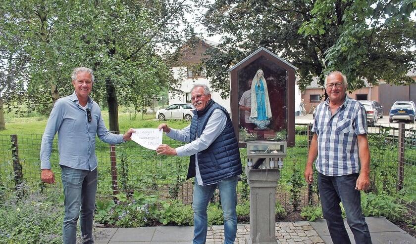 """<p pstyle=""""BODY"""">Van links naar rechts: Sjaak Six, Tom Bode en Kees van Achthoven.</p>"""