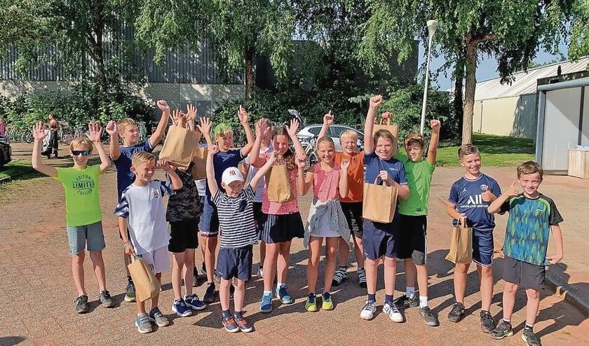 <p>Alle winnaars bij het jeugdtoernooi.</p>