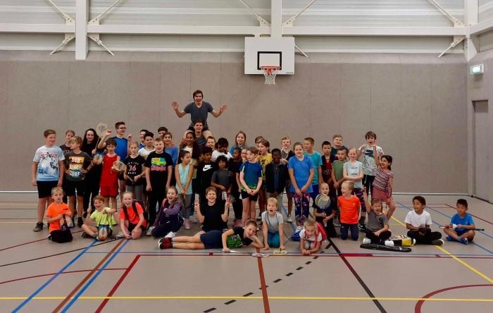 Alle badminton-vriendjes en – vriendinnetjes van het toernooi Peter Blaasse © Van Dijk Grafimedia BV