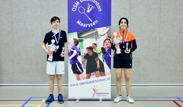 De Jeugdclubkampioenen van OSM Badminton: Jits en Mahi