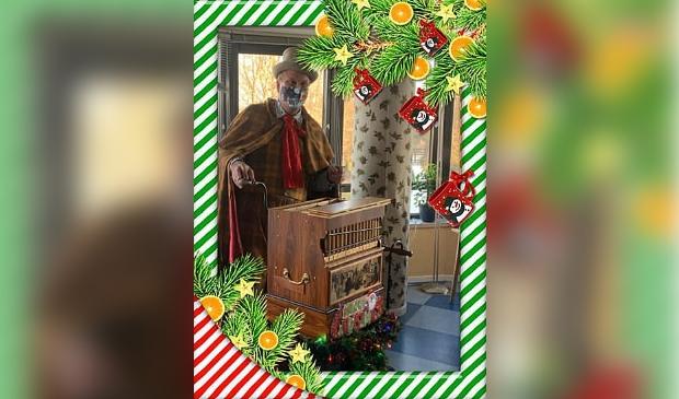 orgelman met zijn Dickens-orgel