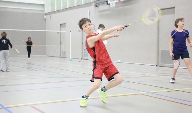 Veel badminton op het Sinterklaastoernooi