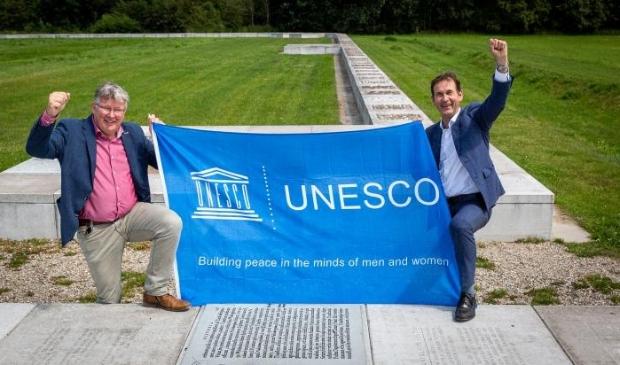 <p>Foto: Rob van Muilekom (r) met wethouder Jocko Rensen van gemeente Bunnik </p>