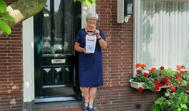 <p>Collectant Stichting de Mantelmeeuw komt bij u aan de deur &nbsp;(foto Mantelmeeuw).</p>