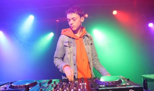 <p>DJ Dylan een van de deelnemers, </p>