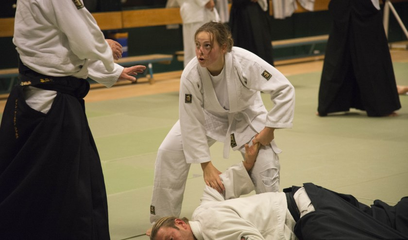 Beheersing van de techniek is bepalend of de aanval afgewend kan worden.
