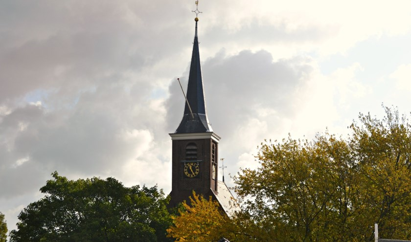 De toren van de Dorpskerk.