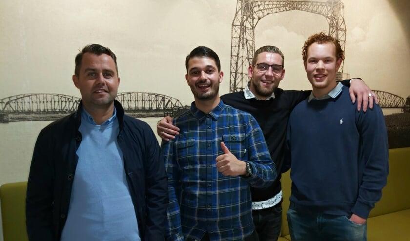Van links naar rechts: jongerenwerker Steven Schaap, Ricardo Grashuis, Sijbrand Groenendijk en Valentijn Westerink.