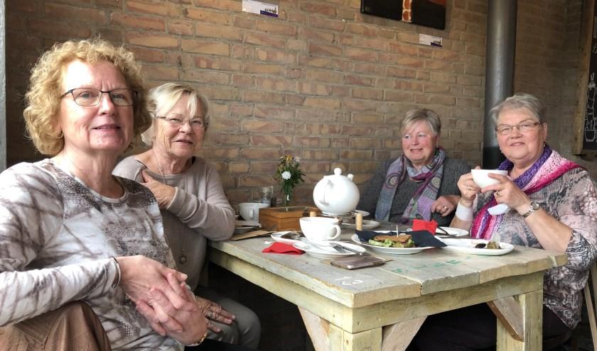 De High Tea voor Mantelzorgers was een  gezellig feestje met veel herkenning.