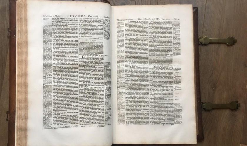 De Statenbijbel die in 1915 cadeau werd gedaan