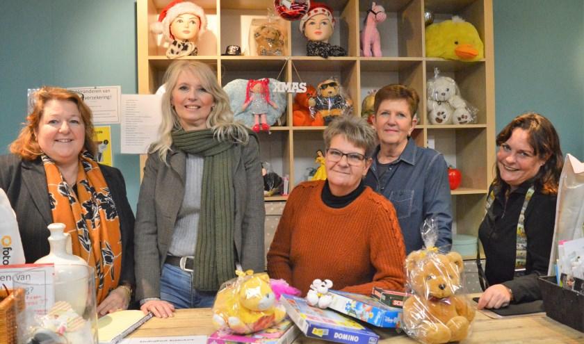 Vrijwilligers van de Kledingbank verkopen op 20 en 21 december weer speelgoed