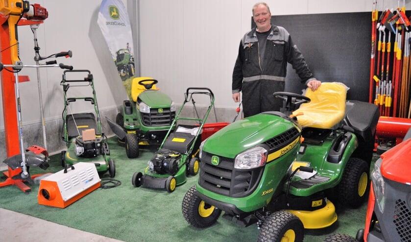 Peter Koppenaal heeft nu ook John Deere machines in zijn aanbod