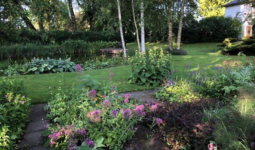 De tuin van Jeanette Broekhuis aan de Achterdijk 2.
