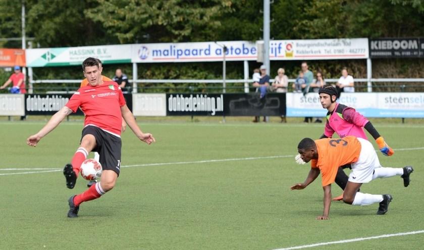Ernst Both scoort de 4-1
