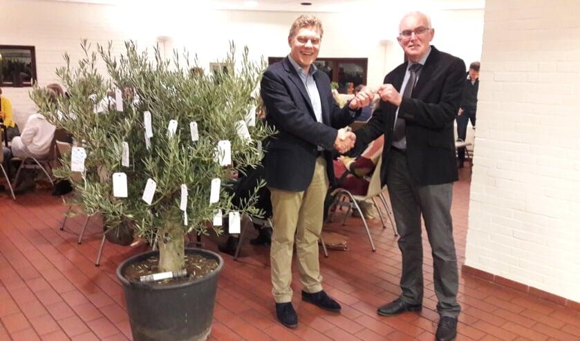 Jaap Quist met zijn opvolger Gerard Rijsdijk
