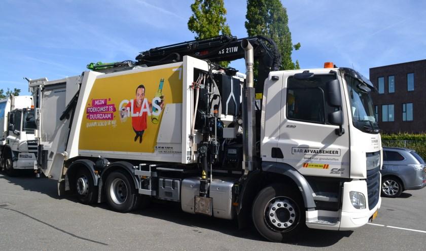 Een vuilniswagen van BAR Afvalbeheer.