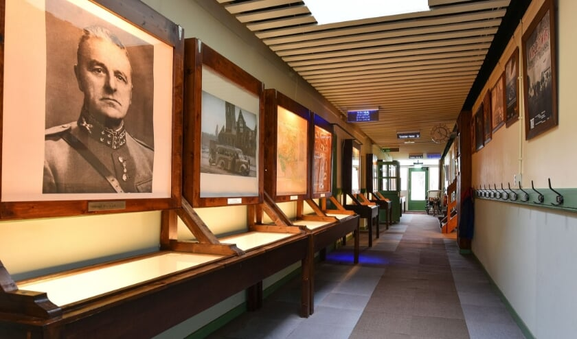 <p>De gang van museum Johannes Postschool</p>